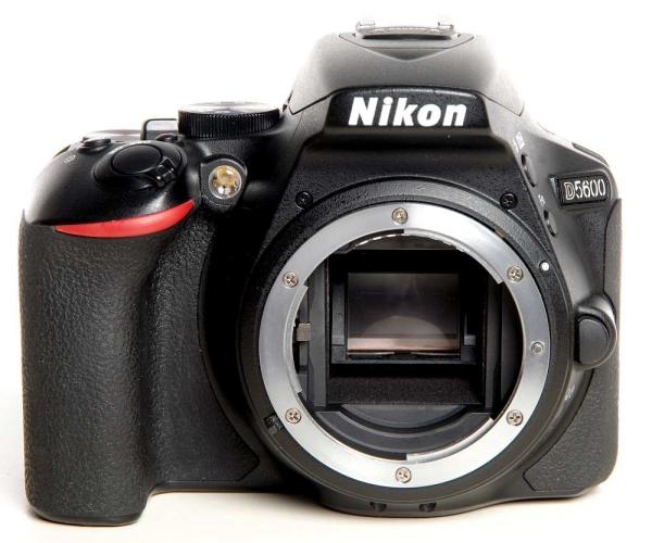 Nikon D5600 Gehäuse *gebraucht*